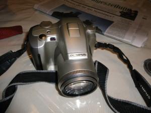 analoge spiegelreflex mit teleobjektiv